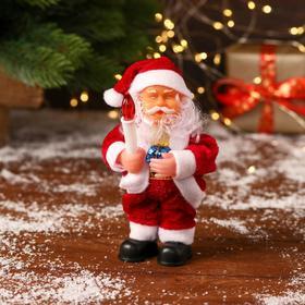 """Дед Мороз """"Со свечой, в красной шубке"""" 15 см, микс"""