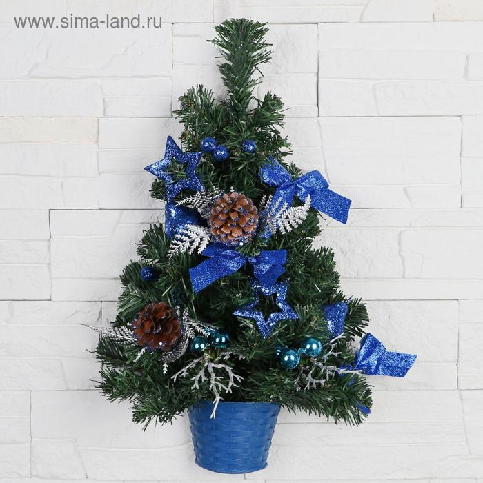 Ёлка настенная с синим декором
