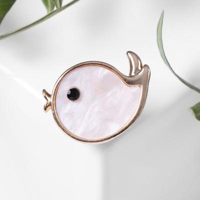 """Brooch """"Fish"""" small., color white in gold"""