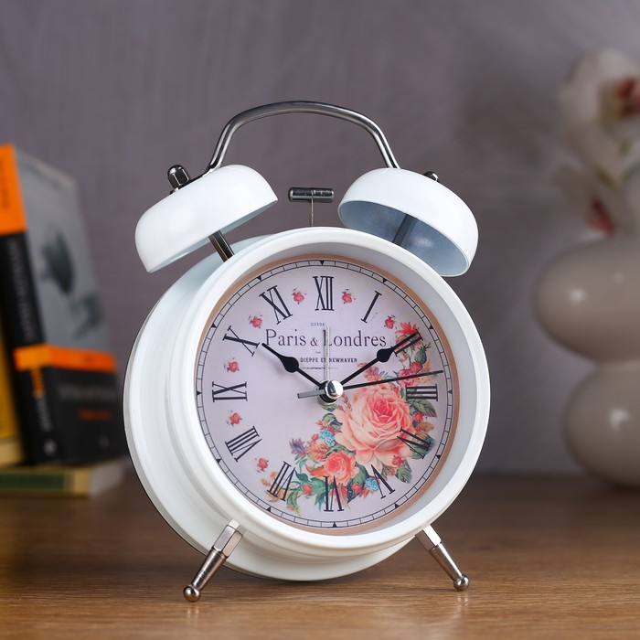 Будильник белый с подсветкой, на циферблате цветы, Paris b Londres, 2 звоночка