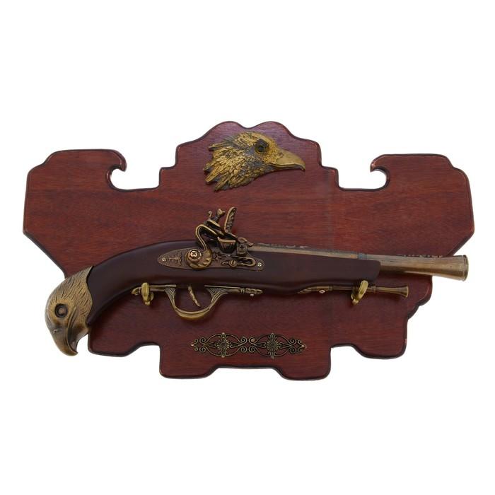 Сувенирное оружие на планшете «Мушкет», накладной элемент — орёл