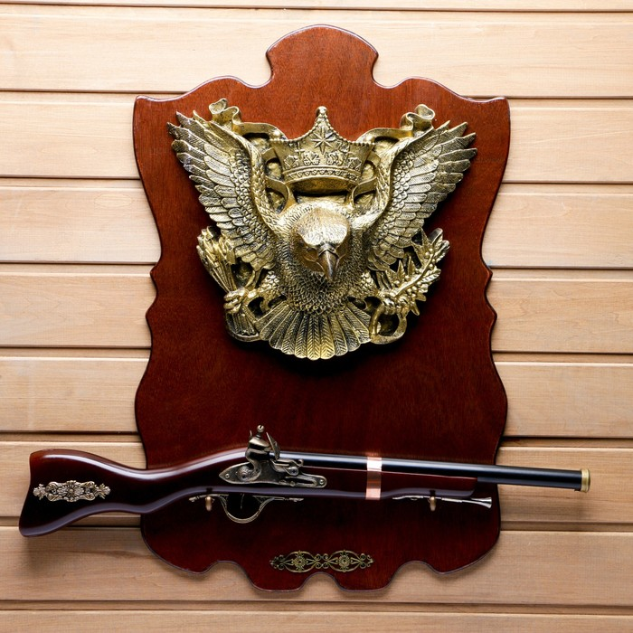 Сувенирное ружье на планшете с орлом, 40*60см