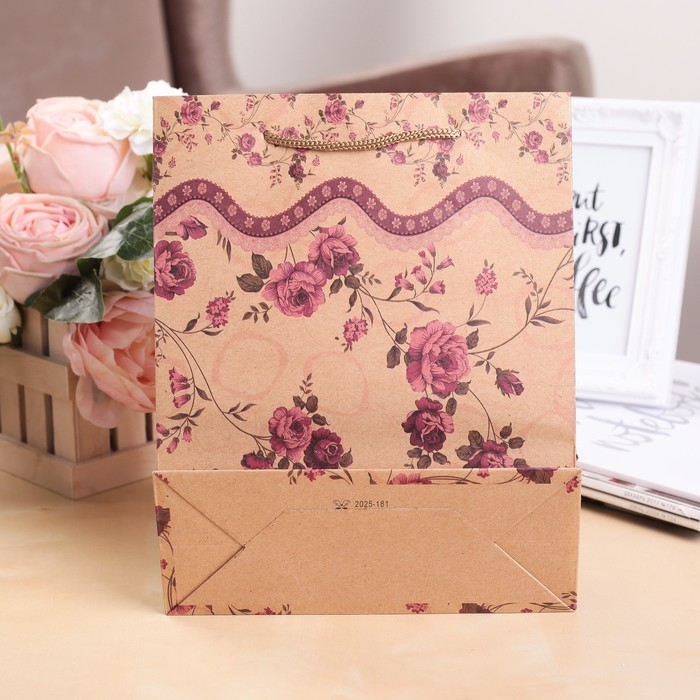 """Пакет крафт """"Розы"""", 19 х 8 х 25 см"""