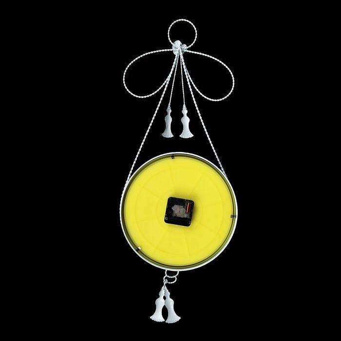 Часы настенные ретро «Бант», на циферблате цветы, белые, d=23 см
