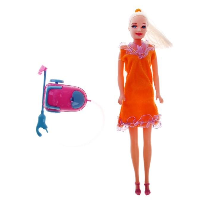 """Кукла модель """"Сара"""" с пылесосом"""
