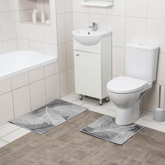 Набор ковриков для ванны и туалета Доляна «Пёрышки», 2 шт: 50×80, 40×50 см, цвет серый - фото 7930582