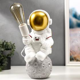 """Лампа настольная """"Космонавт"""" Е27 40Вт белый 16х15х35,5 см"""