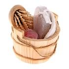 Набор банный в деревянном ушате 4 предмета: мочалка, пемза, расческа, мыльные лепестки