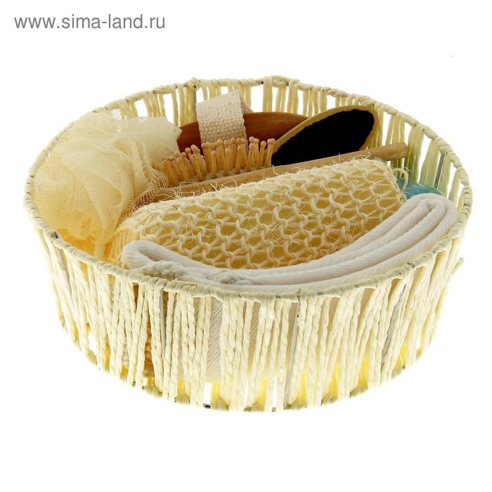 Набор банный в плетеной корзине 7 предметов: 3 мочалки, расческа, пемза для пяток, соль для ванны, массажер, цвет МИКС