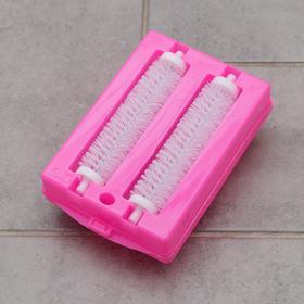 Щётка роликовая для чистки ковровых покрытий, 2 ролика, цвет МИКС