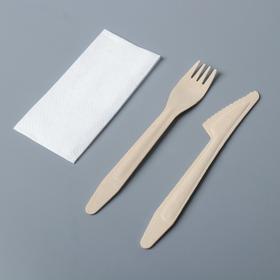 Набор одноразовых столовых приборов из дерева (вилка, нож + салфетка)