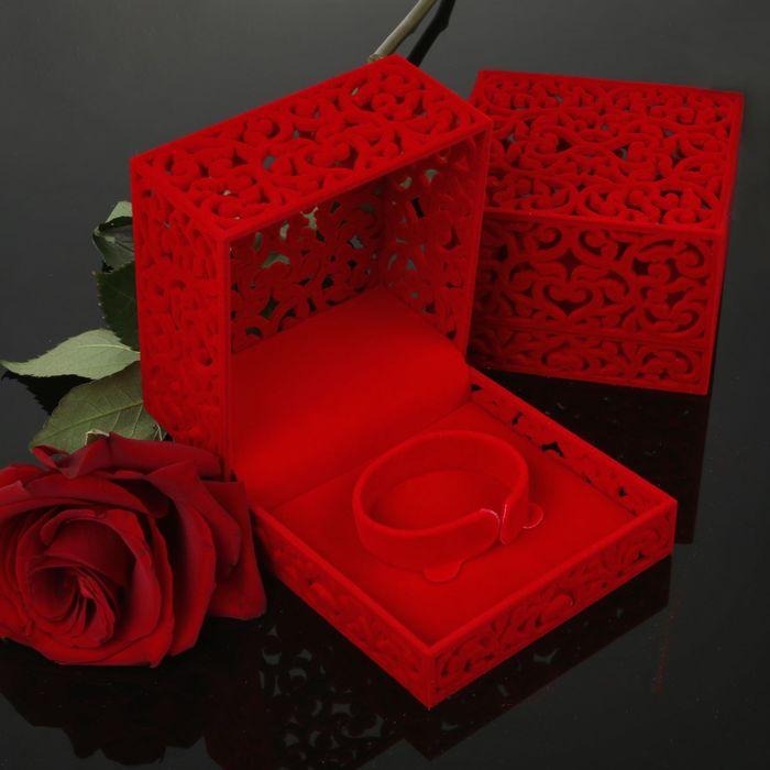 """Футляр под браслет """"Куб резной"""", 10*10*6,5, цвет красный, вставка красная"""