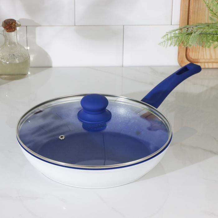 Сковорода кованая Доляна «Свиристель», d=26 см, со стеклянной крышкой, индукция