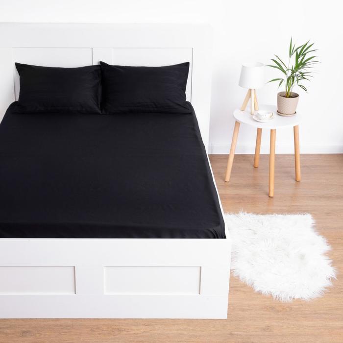 Простыня на резинке Этель 160*200*25 см, цв.черный, 100% хлопок, мако-сатин, 125 г/м² - фото 774949