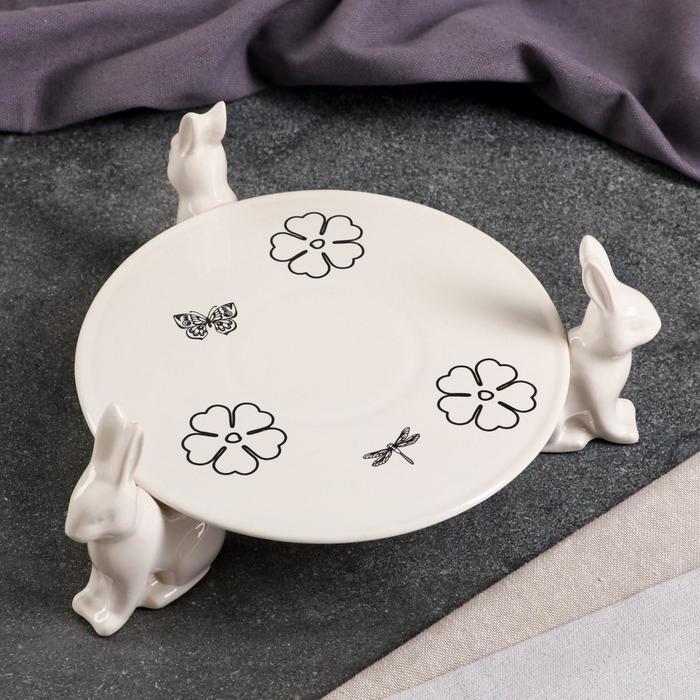 "Подставка для торта ""Зайчики"", 4 предмета, белая, лютики, монохром - фото 282126994"