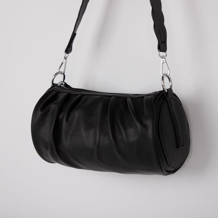 Сумка женская, отдел на молнии, длинный ремень, цвет чёрный - фото 812968