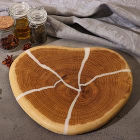"""Спил дуба """"Сердечко"""" эпоксидная смола, диаметр 27 см, толщина 2 см"""