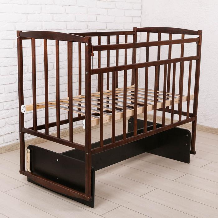 Детская кроватка с поперечным маятником, цвет тёмный орех