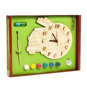 Часы с циферблатом под роспись «Машина пожарная» с красками