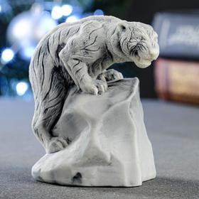 "Сувенир ""Тигр, взабравшийся на скалу"" 8,3х5 см"