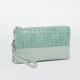 Клатч, 2 отдела на молнии, наружный карман, длинный ремень, цвет зелёный