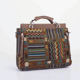 Тоут, отдел на молнии, 3 наружных кармана, длинный ремень, цвет коричневый