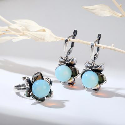 """Гарнитур посеребрение 2 предмета: серьги, кольцо, цветочек """"Лунный камень"""", 18 размер"""