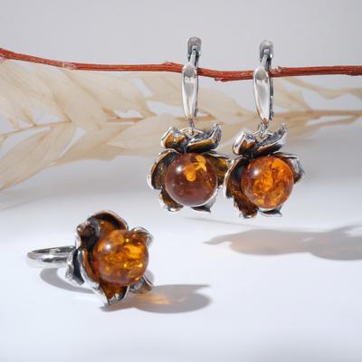 """Гарнитур посеребрение 2 предмета: серьги, кольцо, цветочек """"Янтарь"""", 18 размер"""