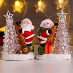 "Сувенир керамика свет ""Дед Мороз/Снеговик на лестнице у ёлочки"" МИКС 15х7,2х10,5 см"