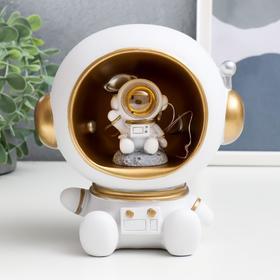 "Сувенир-копилка полистоун свет ""Космонавт в белом"" 15,5х12х15 см"