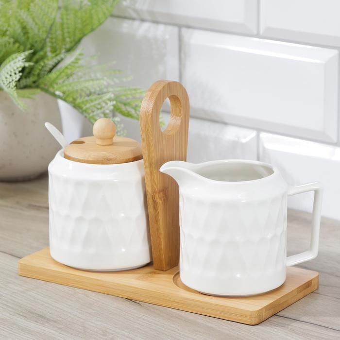 Набор сервировочный Доляна «Эстет. Герда», 2 предмета: молочник, сахарница с ложкой, на деревянной подставке