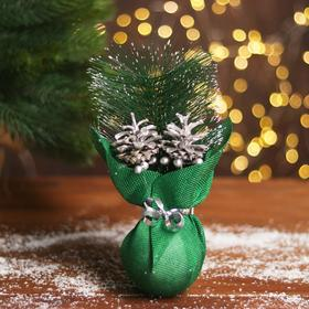 Новогодняя композиция «Серебряная шишка, ёлка»