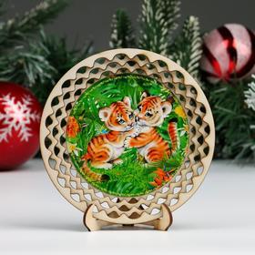 "Тарелка сувенирная ""Год Тигра. Два тигренка"", d = 13 см, дерево"