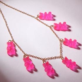 """Колье """"Мармеладные мишки"""" на тонкой цепочке, цвет матово-розовый в золоте, 35см"""