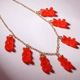 """Колье """"Мармеладные мишки"""" на тонкой цепочке, цвет матово-красный в золоте, 35см"""