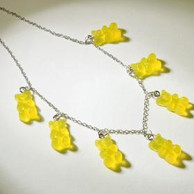 """Колье """"Мармеладные мишки"""" на тонкой цепочке, цвет матово-жёлтый в серебре, 35см"""