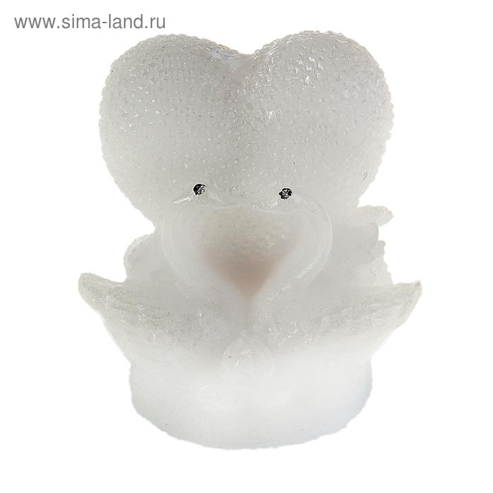 """Свеча восковая """"Лебеди на жемчужном сердце"""", цвет белый"""