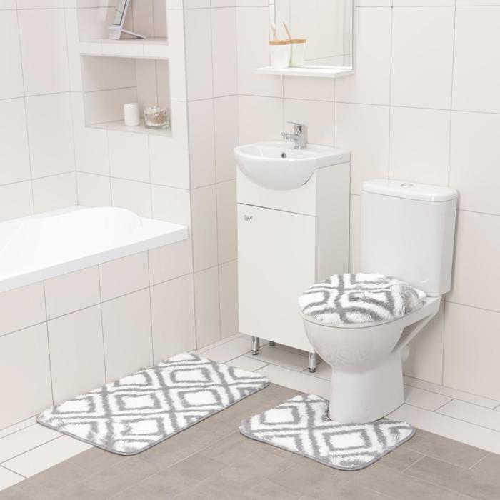 Набор ковриков для ванны и туалета Доляна «Пушистик», 3 шт: 50×80 см, 50×40 см, 31×43 см