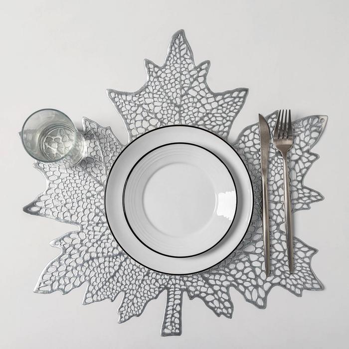 Набор салфеток кухонных Доляна «Кленовый лист», 4 шт, d=38 см, цвет серебро