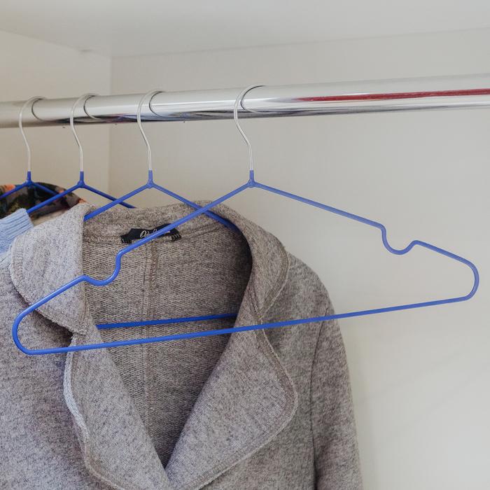 Вешалка-плечики с антискользящим покрытием, размер 42-46, цвет синий