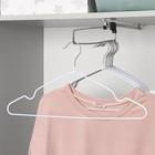 Вешалка-плечики с антискользящим покрытием, размер 40-44, цвет белый