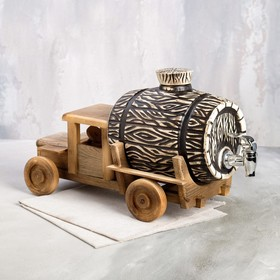{{photo.Alt || photo.Description || 'Бочка для пива на деревянной подставке в виде грузовика, 3 л'}}