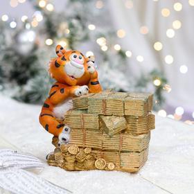 """Копилка """"Тигр с деньгами"""", символ года 2022, разноцветная, керамика, 16 см"""