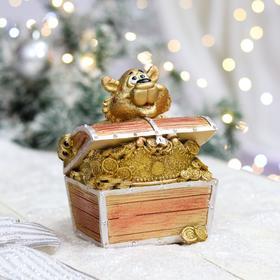 "Копилка ""Тигр с сундуком"", символ года 2022, золотая, керамика, 15 см"