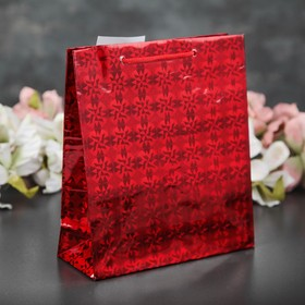 A pack of holographic, red, pattern MIX, 18 x 21.5 x 7.5 cm