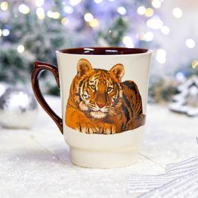 """Кружка """"Водолей с тигром"""", бело-коричневая, символ года 2022, деколь, 0.6 л, микс"""