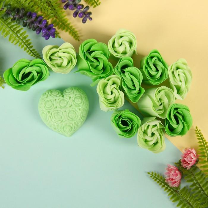 """Набор подарочный """"Цветение"""": мыльные лепестки (набор 12 шт), мыло сувенирное 60 гр, аромат алоэ"""