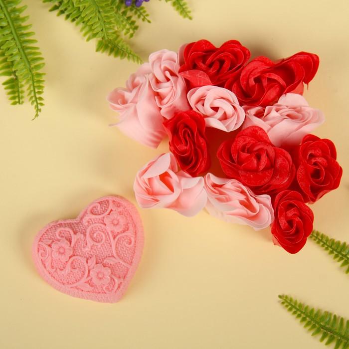 """Набор подарочный """"Ажур"""": мыльные лепестки (набор 12 шт), мыло сувенирное 60 гр, аромат роза"""