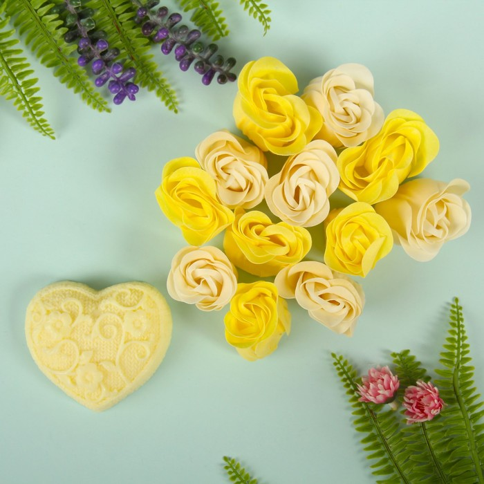 """Набор подарочный """"Ажур"""": мыльные лепестки (набор 12 шт), мыло сувенирное 60 гр, аромат лимон"""