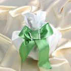 Сумочка невесты атласная, белая с зелёным бантиком